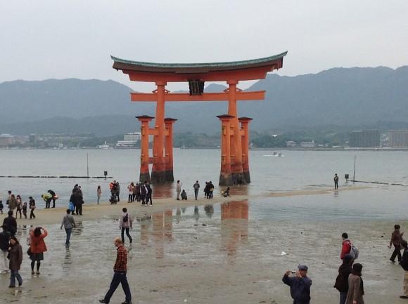 厳島神社で行われる管絃祭2015の開催日は?雨天時の開催、みどころは?