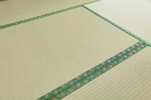 梅雨で張り替えたばかりの新しい畳にカビが!?その原因と対策、再発防止はどうしたらいい?
